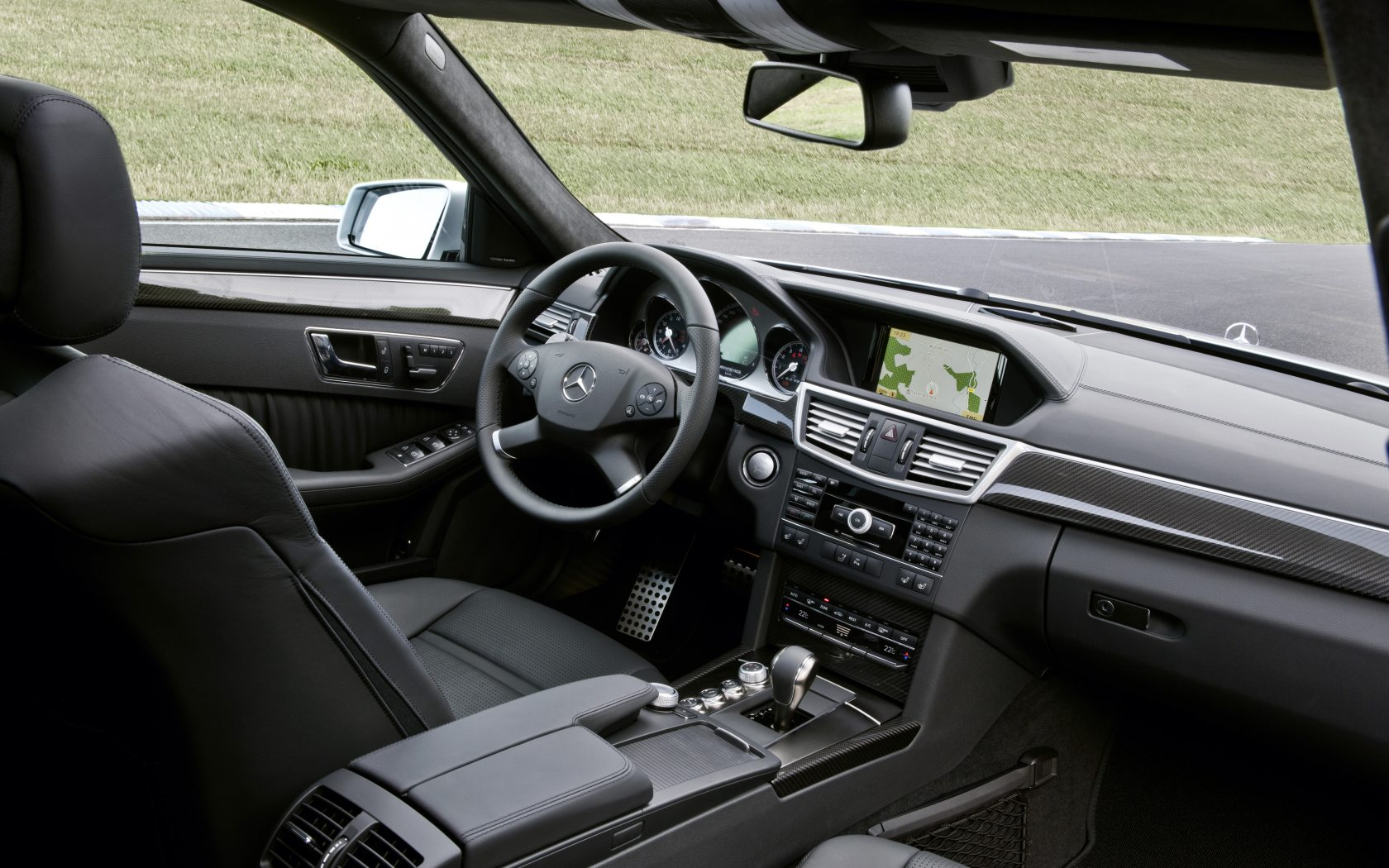 E-Klasse T-Modell E 63 AMG Interieur - Mercedes-Benz Wallpaper - MB ...
