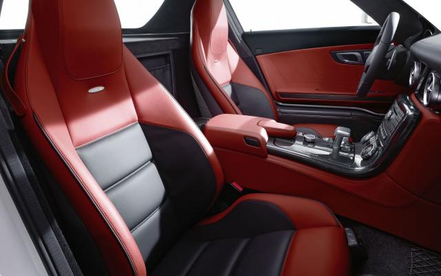 2010 SLS AMG rot Interieur 3 - Mercedes-Benz Wallpaper - MB-Wallpaper.de